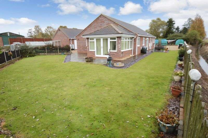 3 Bedrooms Detached Bungalow for sale in 187 Witham Road, Woodhall Spa