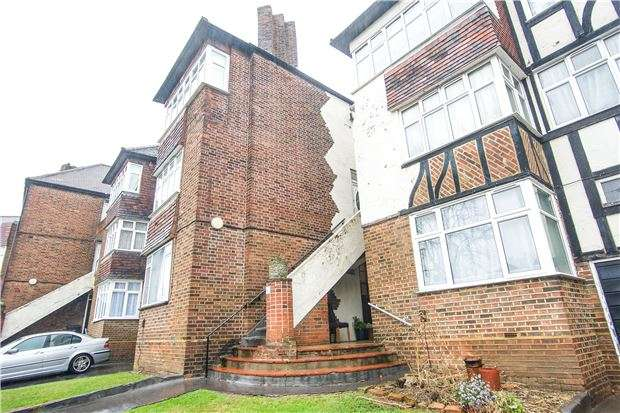 1 Bedroom Flat for sale in Mountaire Court, Highfield Ave, NW9 0QA
