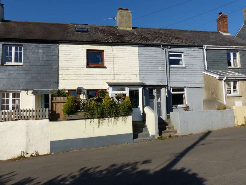 2 Bedrooms Terraced House for sale in Dartmouth Road, East Allington