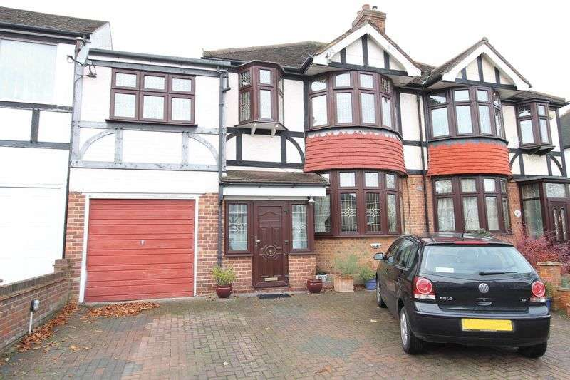 4 Bedrooms Semi Detached House for sale in Stoneleigh Avenue, Worcester Park