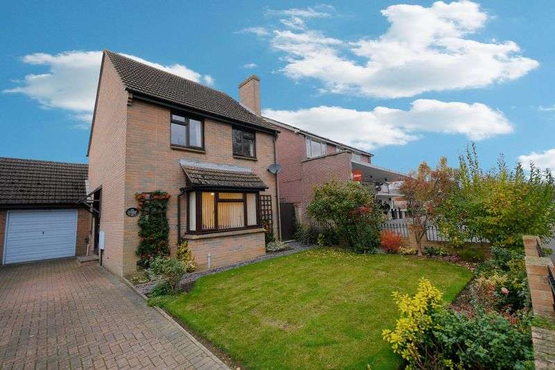 3 Bedrooms Detached House for sale in FANE DRIVE