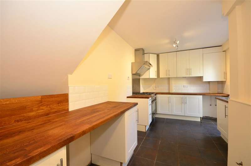 5 Bedrooms Terraced House for sale in Greenstead Avenue, Woodford Green, Essex