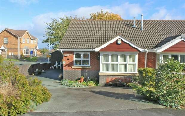 2 Bedrooms Semi Detached Bungalow for sale in Rhodfa Wenlo, Greenfield, Holywell, Flintshire