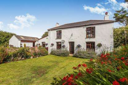 3 Bedrooms Detached House for sale in Angarrack, Hayle, Cornwall