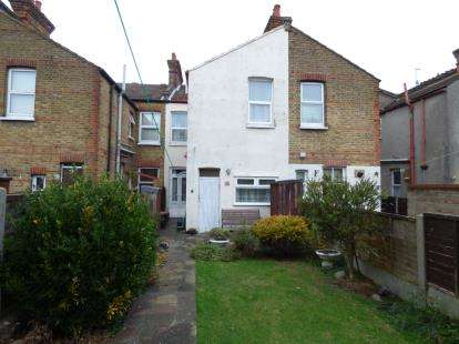 3 Bedrooms Terraced House for sale in Westcliff On Sea, Essex