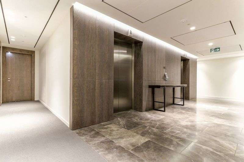 3 Bedrooms Flat for sale in South Bank Tower, SE1 9EY