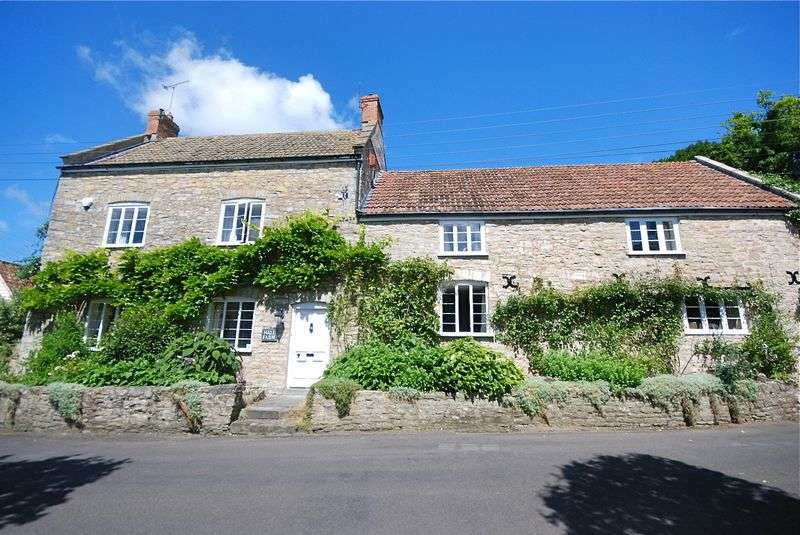 7 Bedrooms Detached House for sale in Excellent location within Sand Road central Wedmore, BS28 4BZ