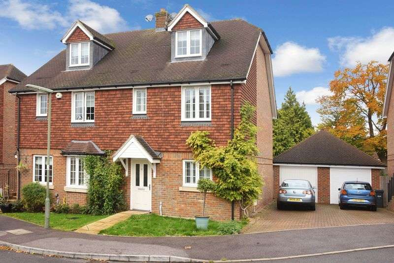 4 Bedrooms Semi Detached House for sale in Banstead