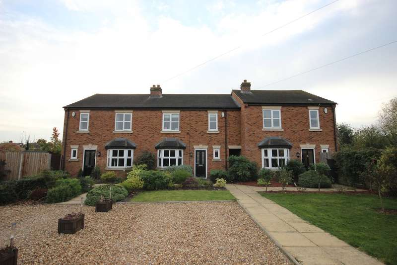 4 Bedrooms Terraced House for sale in Bedford Road, Marston Moretaine, Bedford, MK43