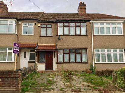 House for sale in Clayhall, Ilford, Essex