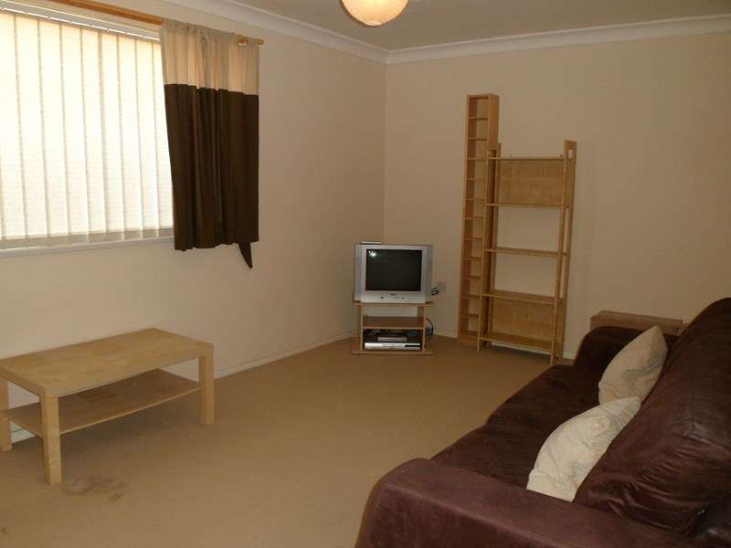 2 Bedrooms Flat for sale in Canterbury Way, Fellgate Estate, Jarrow