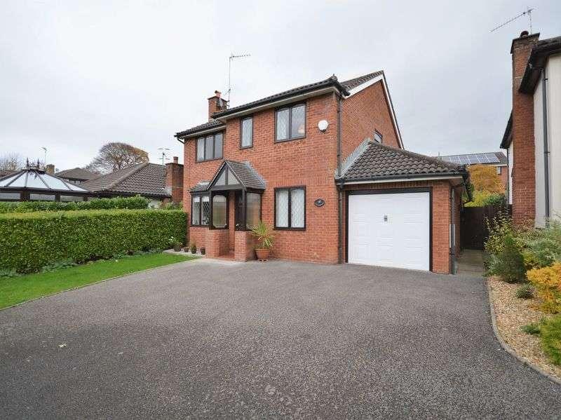 4 Bedrooms Detached House for sale in Plas Derwen Close, Abergavenny