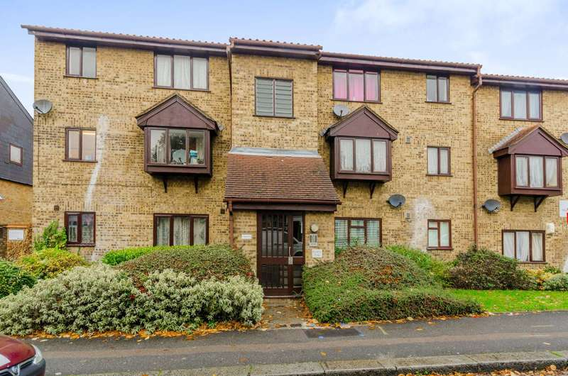 Studio Flat for sale in Horner Court, Leytonstone, E11