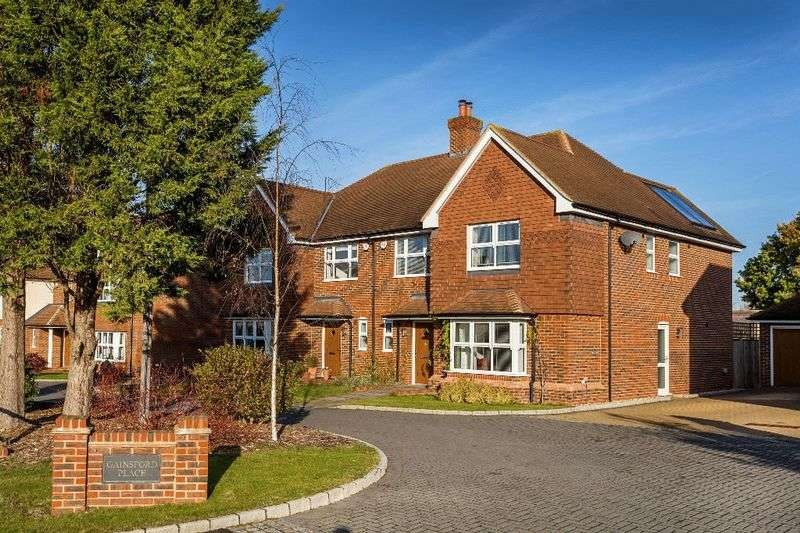 4 Bedrooms Semi Detached House for sale in Gainsford Place, OXTED, Surrey