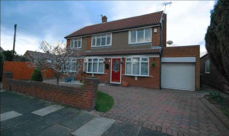 4 Bedrooms Detached House for sale in Capulet Grove, South Shields