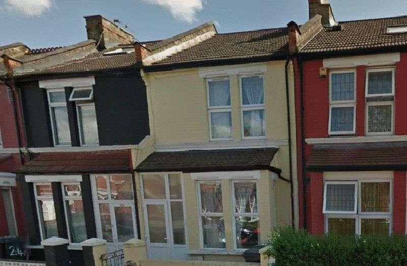 1 Bedroom Flat for sale in 22A Sherringham Avenue, Tottenham, London, N17 9RN