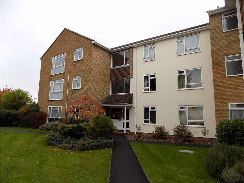 Flat for sale in Harris Close, Enfield, EN2