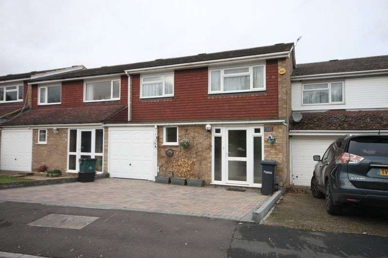 4 Bedrooms Terraced House for sale in Lampits, Hoddesdon