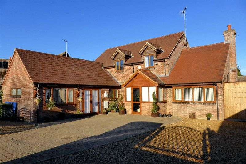 4 Bedrooms Detached House for sale in Spencer Drove, Guyhirn, Cambridgeshire