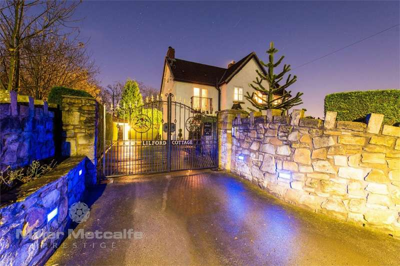3 Bedrooms Cottage House for sale in Wood End, Leigh, Lancashire