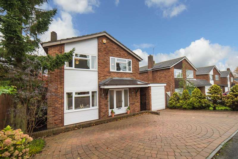 4 Bedrooms Detached House for sale in Greenacres, Leverstock Green, Hemel Hempstead
