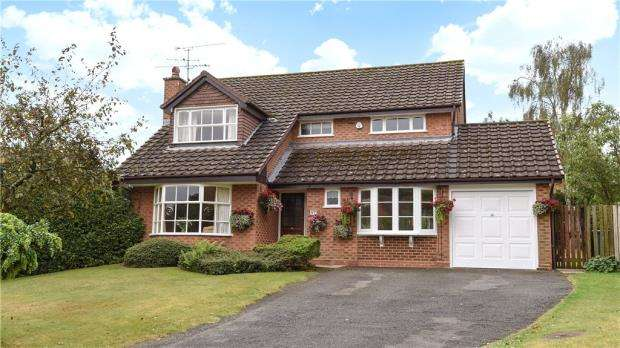 4 Bedrooms Detached House for sale in Burlington Court, Hawley, Surrey