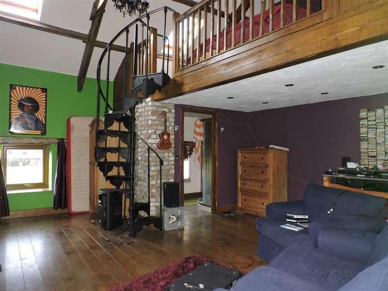 2 Bedrooms Property for sale in Water Street, Carmarthen