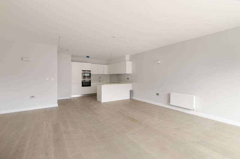 1 Bedroom Flat for sale in Southern Row, Ladbroke Grove, W10