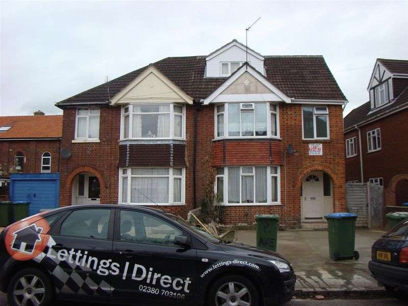6 Bedrooms Semi Detached House for rent in Portswood Avenue, Portswood, Southampton