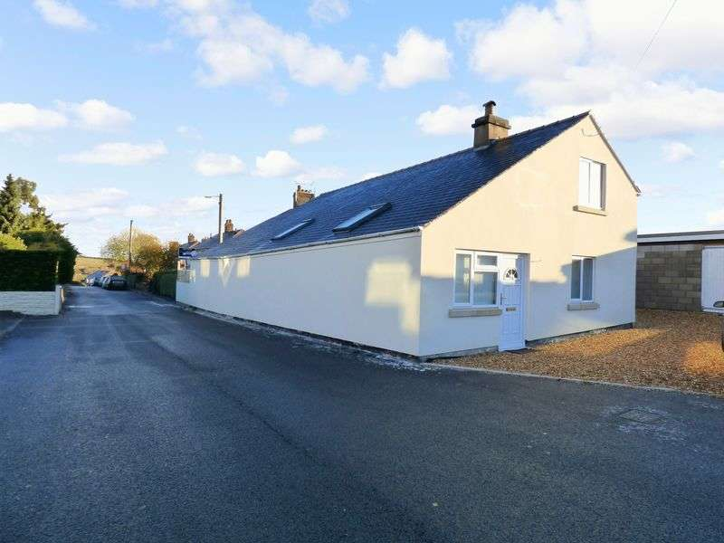 3 Bedrooms Detached House for sale in Heol Caradoc, Coedpoeth, Wrexham LL11