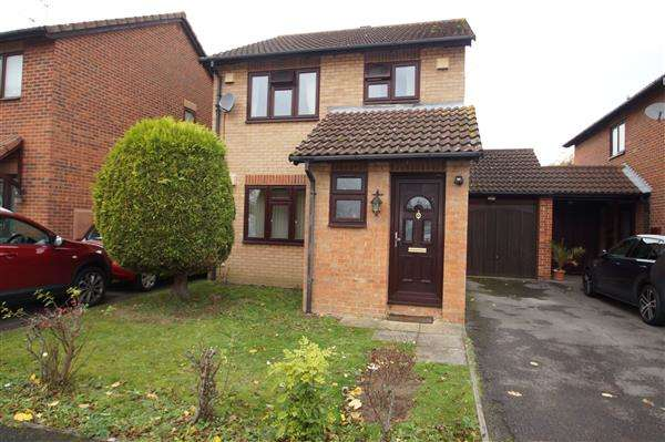 3 Bedrooms Detached House for sale in Mitchell Close, Windsor Meadows, Cippenham