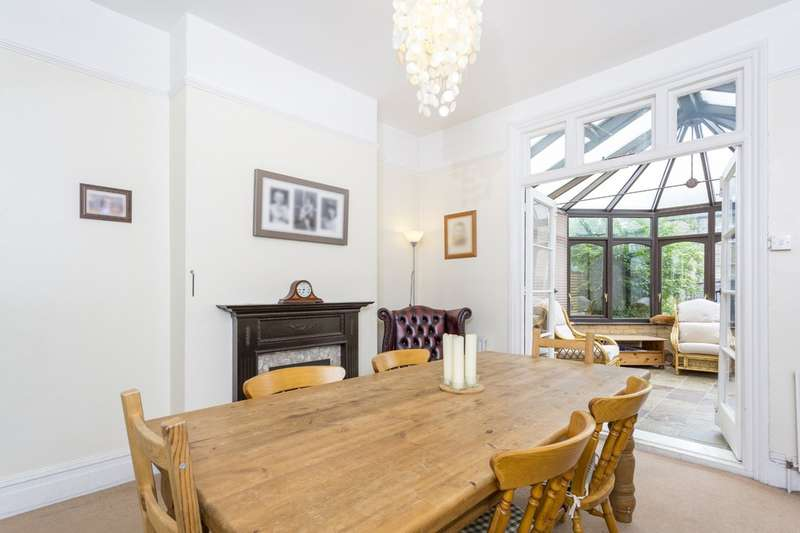 4 Bedrooms Semi Detached House for sale in Southwood Road, London, SE9 3QE