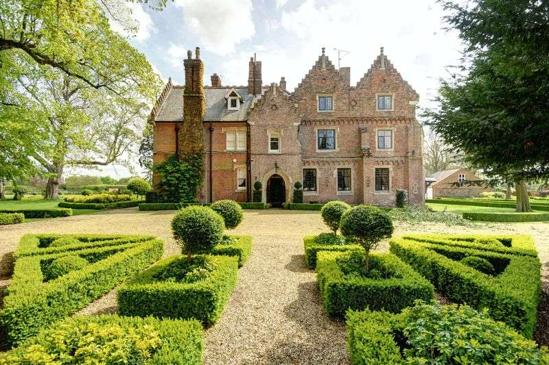 12 Bedrooms Detached House for sale in Welle Manor Hall, New Road, Upwell, Norfolk, PE14 9AB