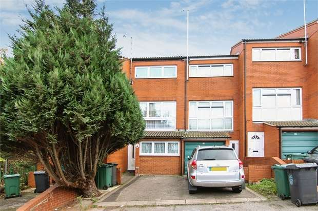3 Bedrooms Terraced House for sale in Stow Crescent, Walthamstow, London