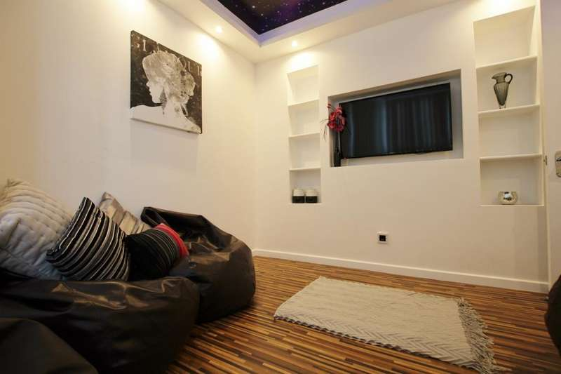 6 Bedrooms Terraced House for rent in Great Western Street, Rusholme, Manchester, M14 4AL