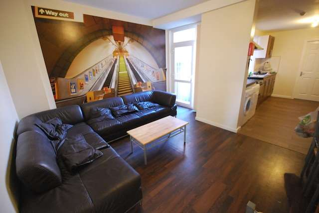 9 Bedrooms Terraced House for rent in Great Western Street, Rusholme, Manchester, M14 4AL