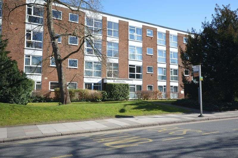 2 Bedrooms Flat for sale in Claremont Road, Surbiton