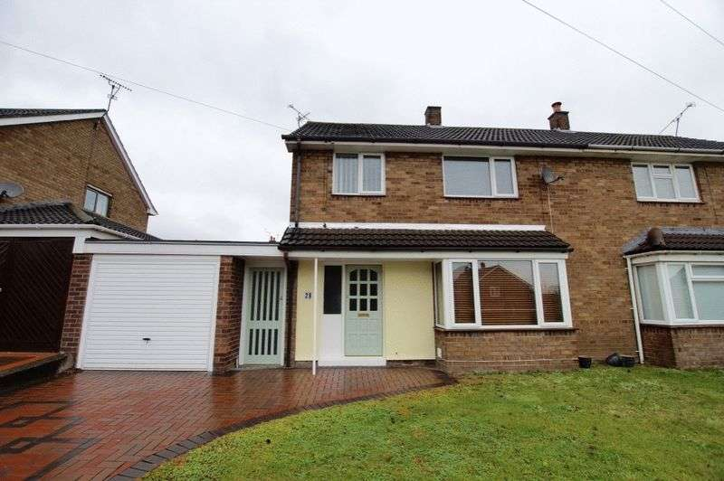 3 Bedrooms Semi Detached House for sale in Ffordd Jarvis, Wrexham