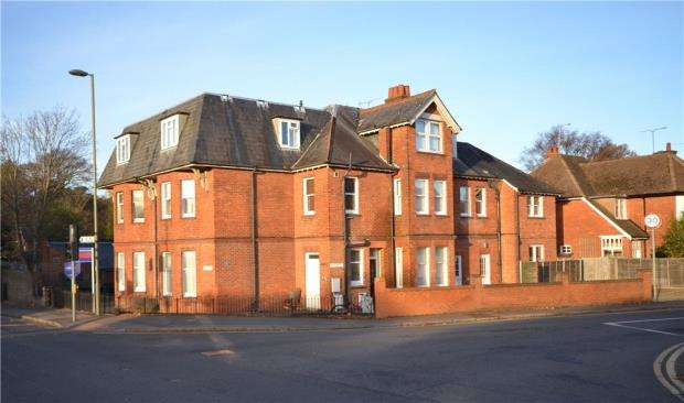 1 Bedroom Apartment Flat for sale in Silverthorne, 124 London Road, Camberley