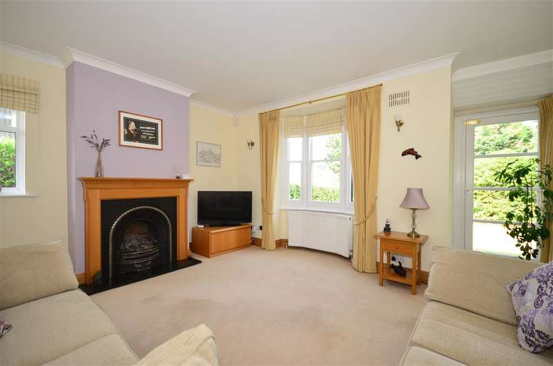 5 Bedrooms Detached House for sale in Church Road, Kennington, Ashford, Kent