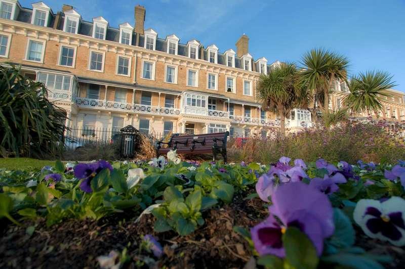 2 Bedrooms Flat for sale in Heene Court Mansions, Heene Terrace