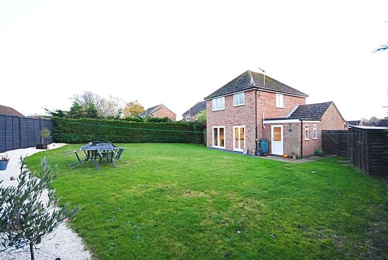 3 Bedrooms Detached House for sale in Martin Road, Diss