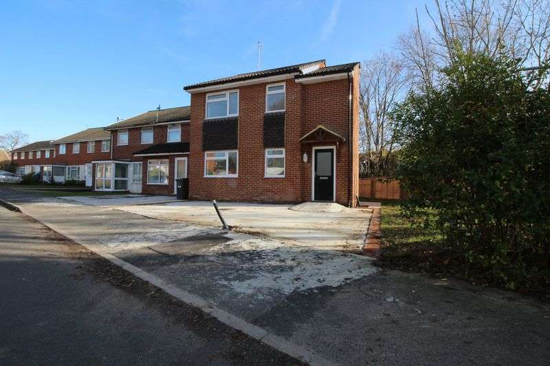 2 Bedrooms Detached House for sale in The Nursery, Burgess Hill