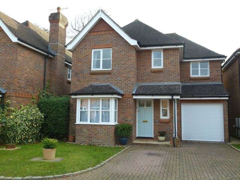 4 Bedrooms Detached House for sale in BOOKHAM VILLAGE - HIGHLY DESIRABLE PRIVATE CUL-DE-SAC LOCATION ONLY 5 MINUTES WALK FROM SHOPS