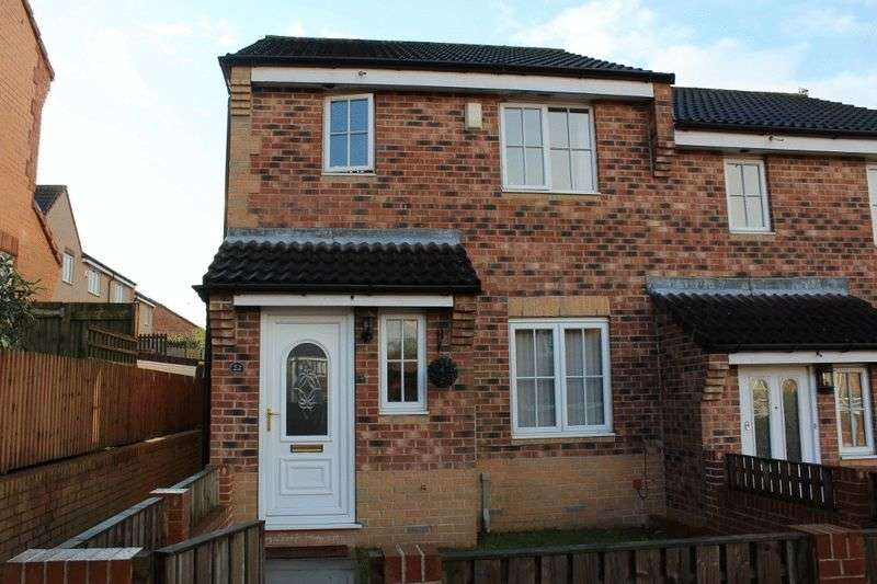 3 Bedrooms Terraced House for sale in Greenacres Drive, Castleford