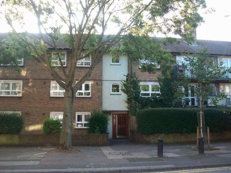 3 Bedrooms Flat for sale in Paul Street, Stratford, London, E15