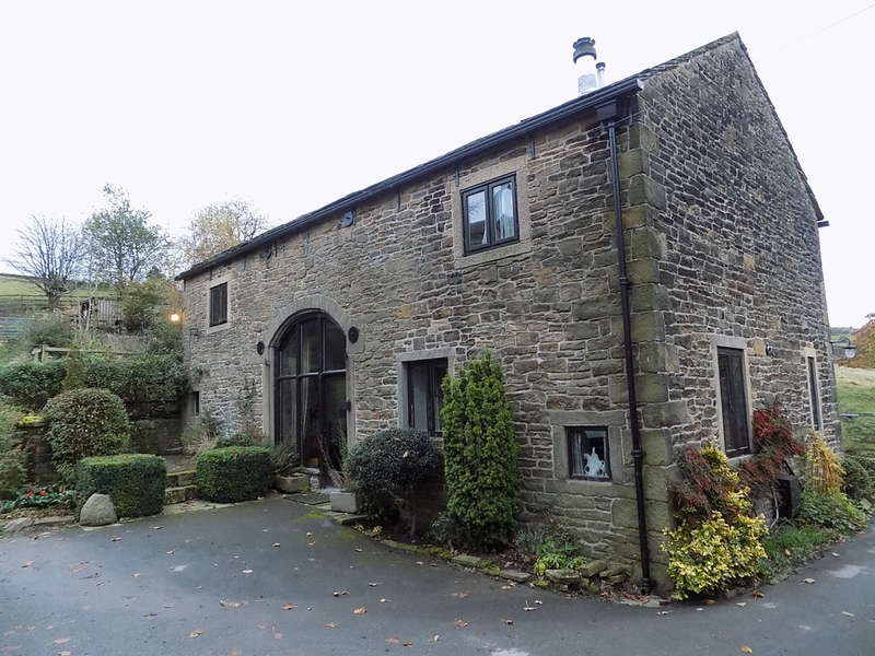 4 Bedrooms House for sale in Kinder Road, Hayfield