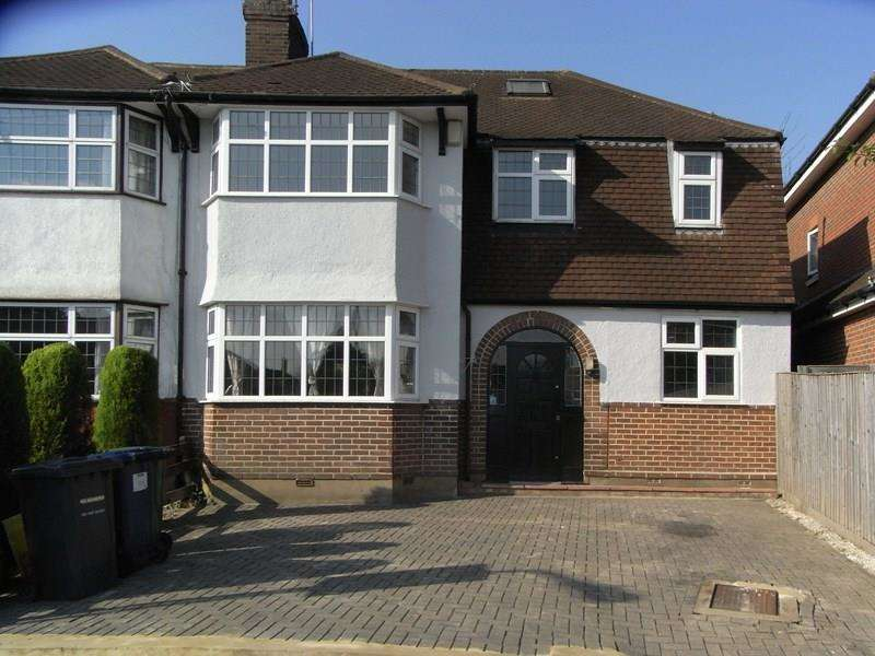 4 Bedrooms Semi Detached House for sale in Ivere Drive, New Barnet