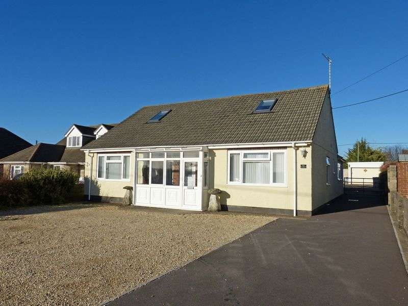 4 Bedrooms Detached Bungalow for sale in Larkhill Road, Durrington