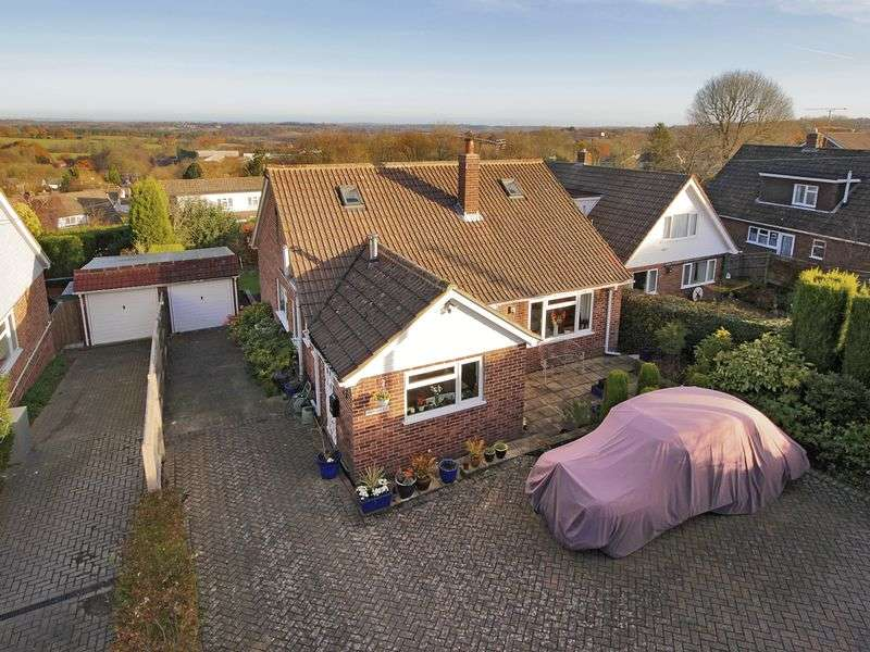4 Bedrooms Bungalow for sale in Top Road, Sharpthorne, West Sussex